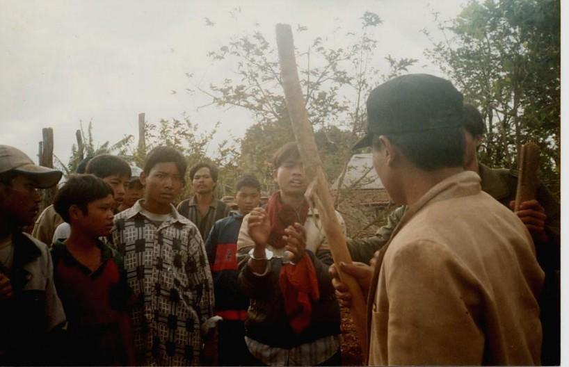 « Les Montagnards sont confrontés à de graves persécutions au Vietnam, notamment ceux qui fréquentent des églises de maison indépendantes, car les autorités ne tolèrent pas l'activité religieuse qui échappe à leur contrôle », a expliqué Phil Robertson, Human Rights Watch. Photo: MFI.
